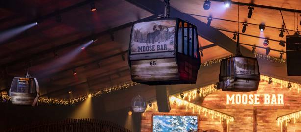 WICREATIONS flies & moves ski lift for Moose Bar XXL