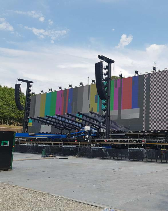 WI for Roger Waters' Us + Them Outdoor Shows